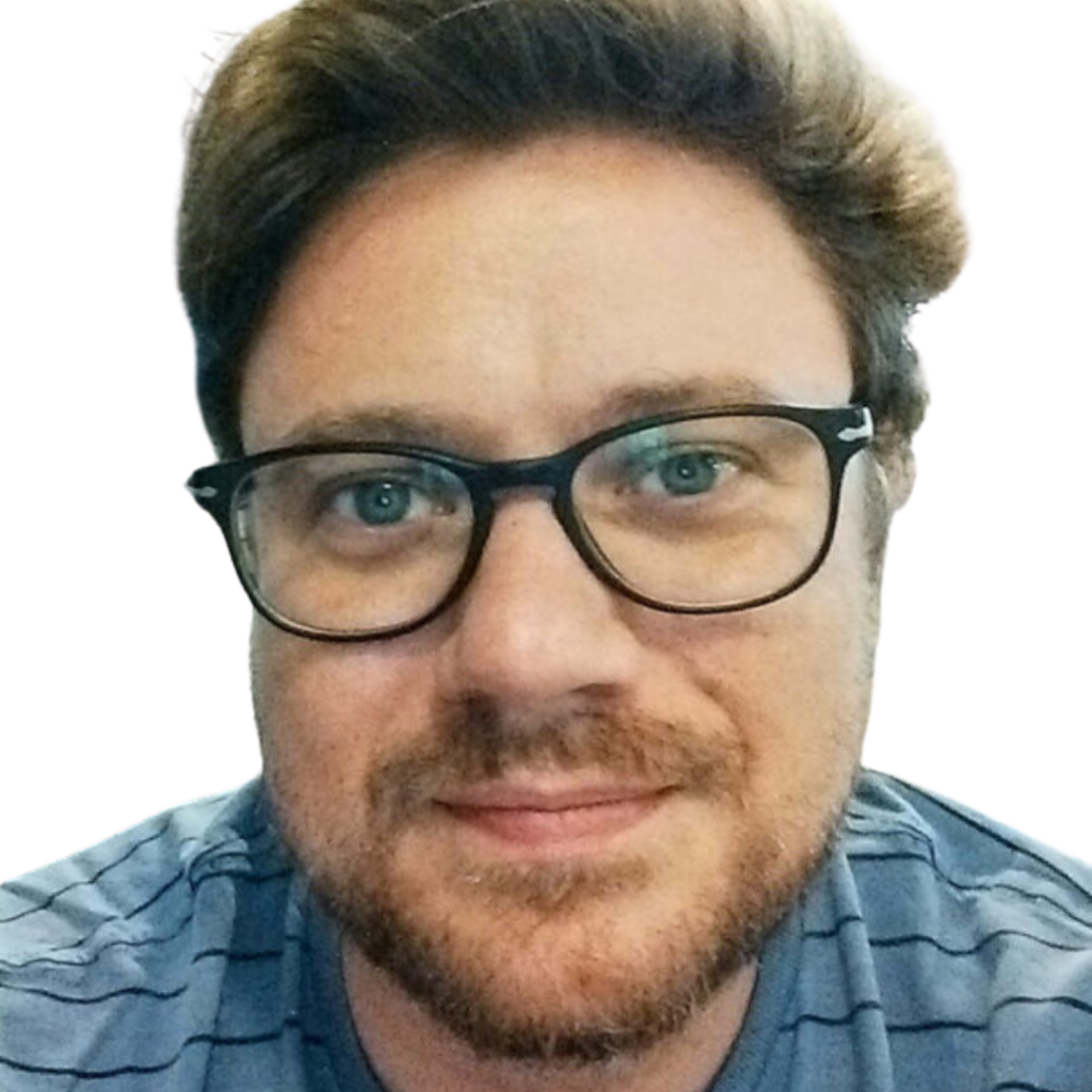 Alessandro Cappellozza uomo con occhiali e barba